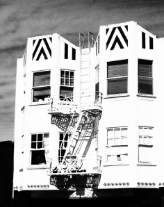 2. Mission District, Valencia Street, San Francisco, California, Copyright © 2014 Sally W. Donatello All Rights Reserved/Lens and Pens by Sally